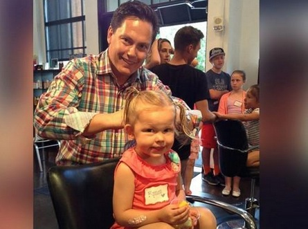 Obsessing over this fab salon teaching dads to do their daughters' hair