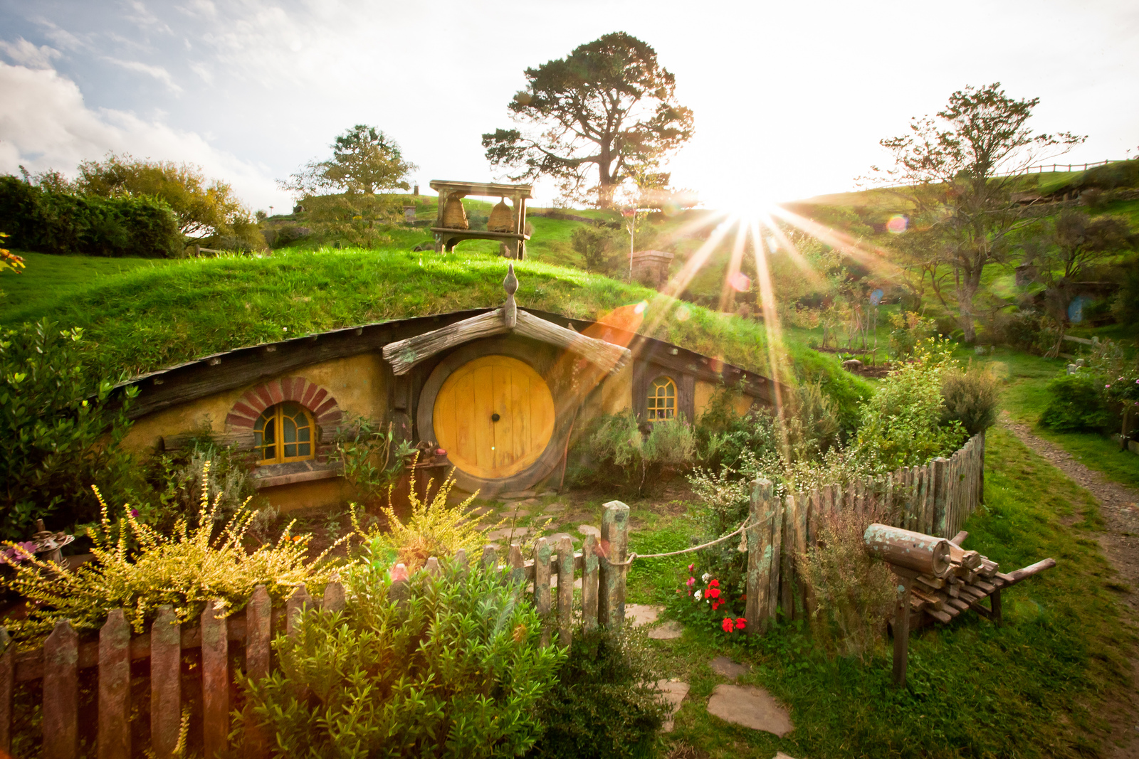 See this Hobbit house? You could live there