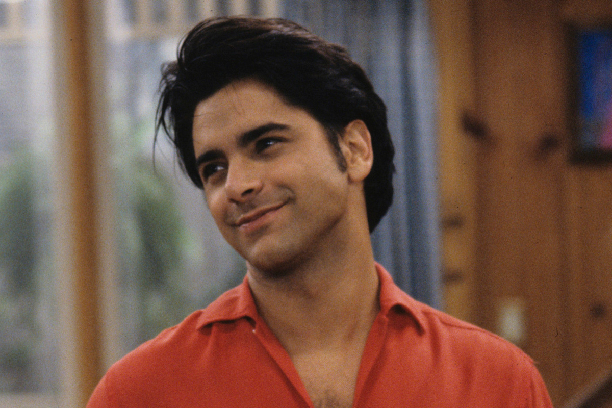 We have our first look at John Stamos' return as Uncle Jesse