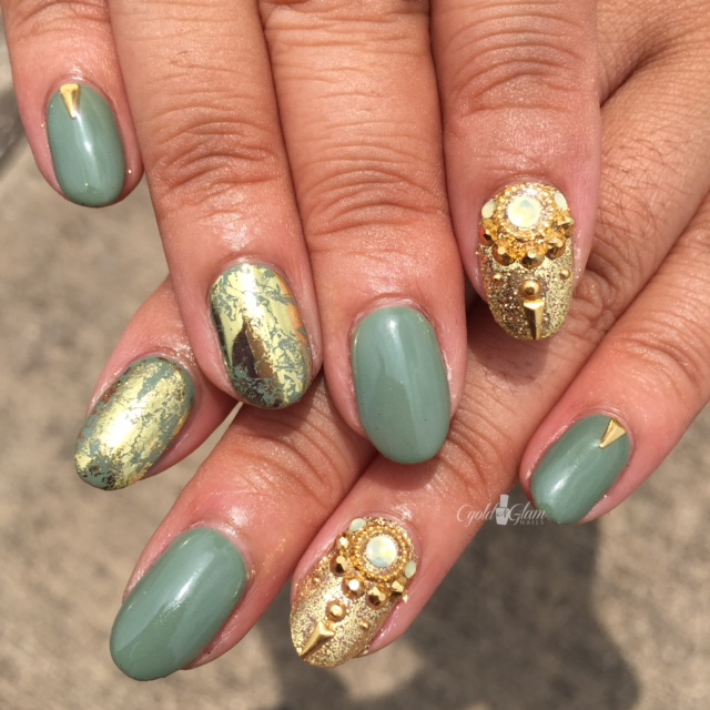 Nails of the Day: Olive and glam