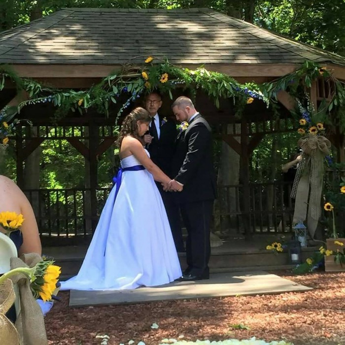 When a woman with amnesia couldn't remember her wedding, her husband did something she'd never forget