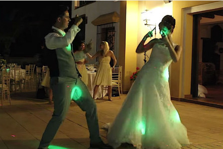 this couples first dance at their wedding is crushing the