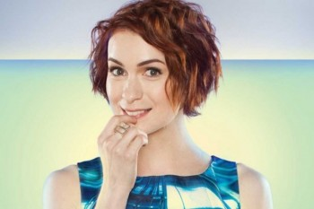 """Talking gaming, her memoir and online bullies, with """"Queen of the Geeks"""" Felicia Day"""
