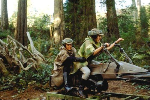 Dad-of-the-year builds daughter a 'Star Wars' speeder bike rocker