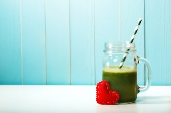 People are freaking out over this five ingredient green smoothie