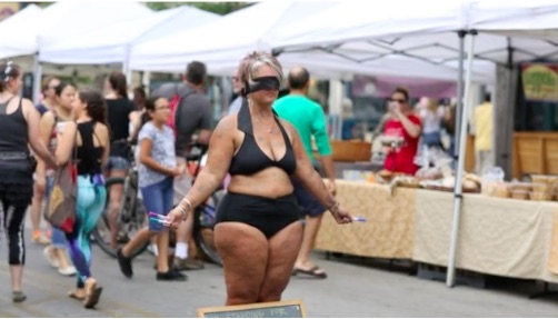 This mom wore a bikini and a blindfold to send a message about self-love