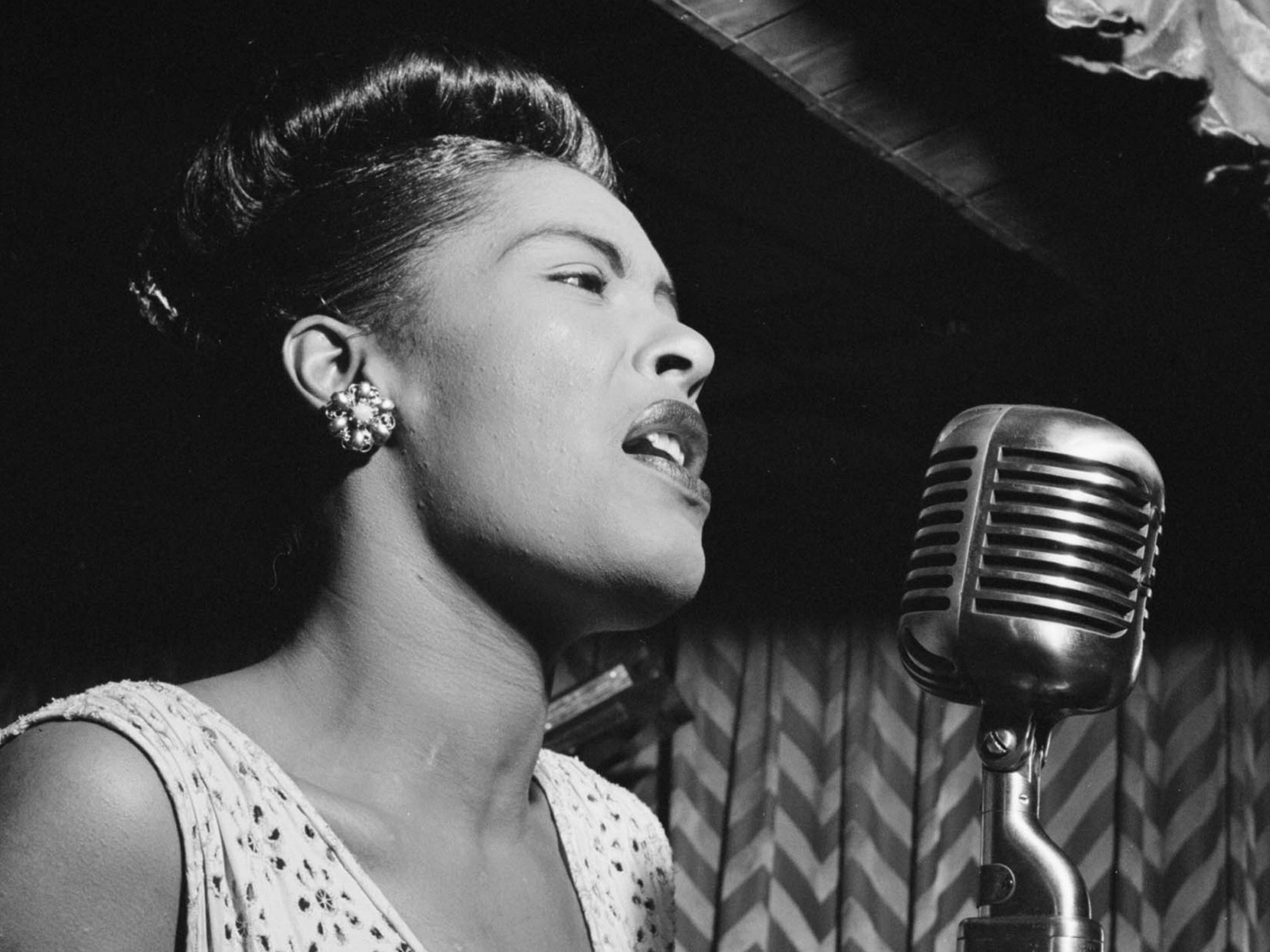 Billie Holiday is making a comeback as a hologram