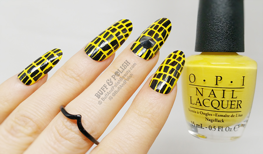 Nails of the Day: Boldly block printed