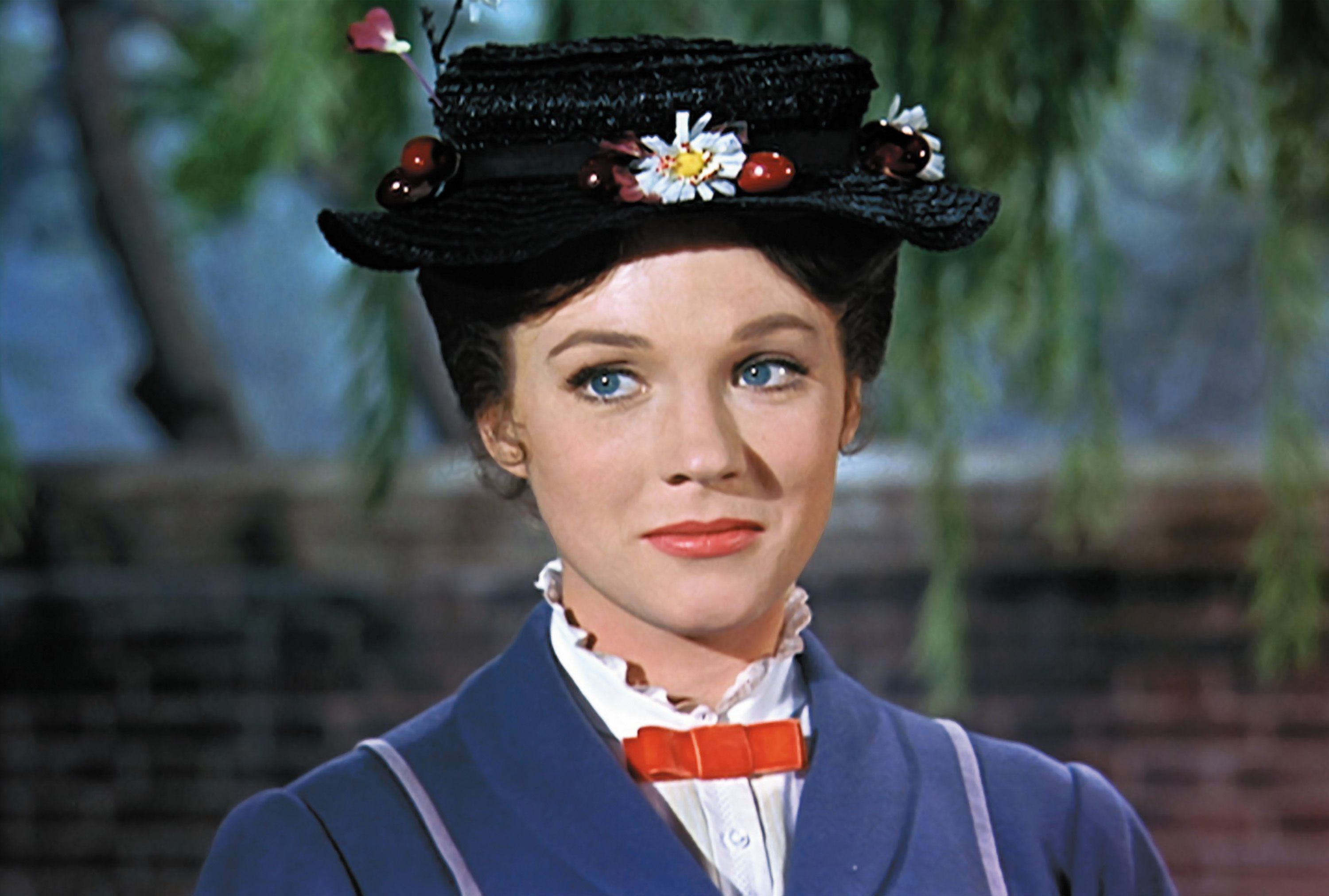 This actress is the frontrunner to play Mary Poppins
