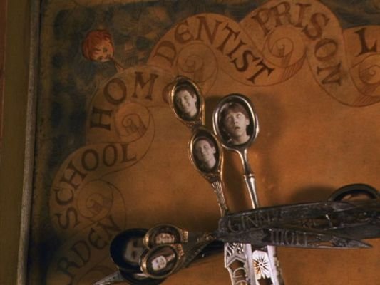 Some geniuses made a Weasley Clock, now we all want one