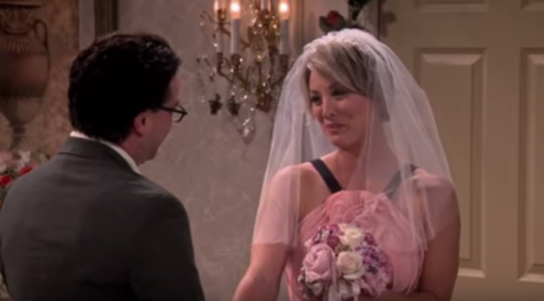 We've got our first look at the new 'Big Bang Theory' season, and it's all about the love