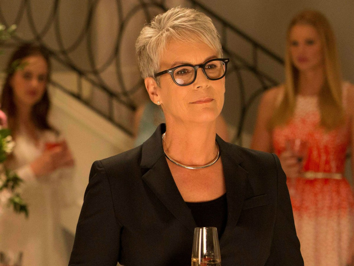 Just a few reasons why 'Scream Queens' star Jamie Lee Curtis is a queen IRL