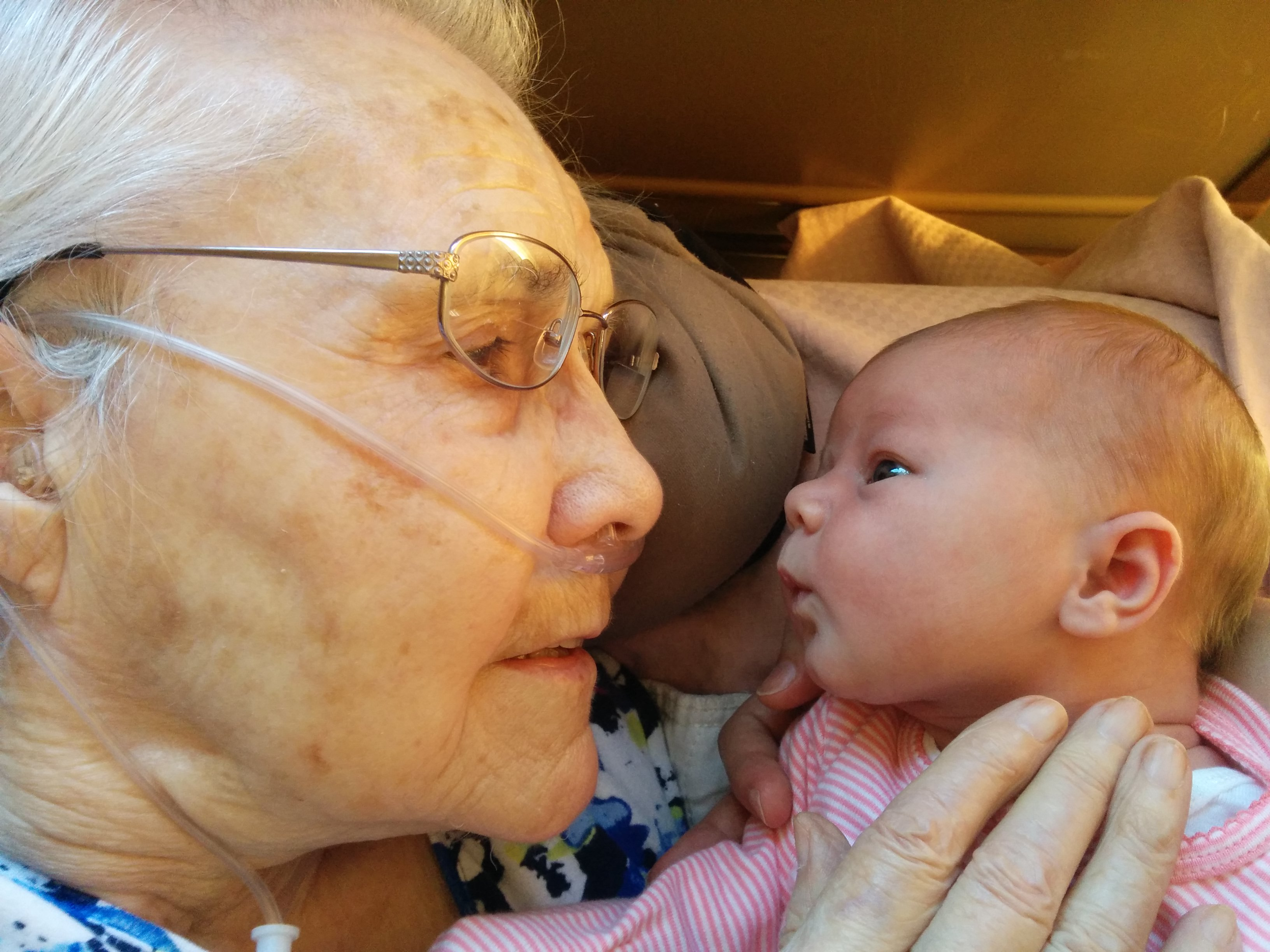 This is the moment a newborn baby met her great-grandmother—and it is exquisite