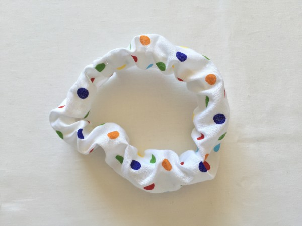 A rad DIY scrunchie to add some '90s cool to your look