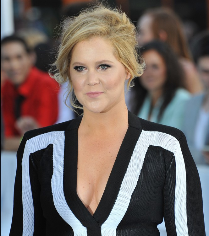 Amy Schumer did some boss-level negotiating for her book deal. Take notes.