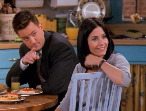 don't act like you're married when you're only dating: what season do monica and chandler start dating