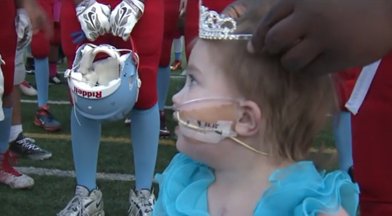 The wonderful reason why this 3-year-old girl was just crowned a homecoming queen