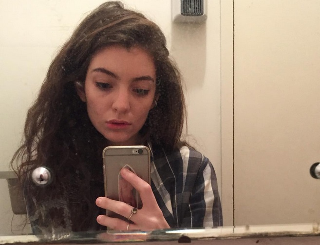 Lorde answered Tumblr users' questions and it was wonderful