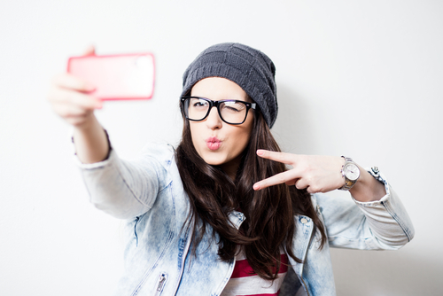 This is exactly how addicted we are to taking selfies