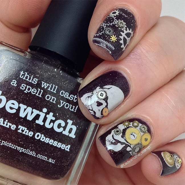 Nails of the Day: Steampunk skulls