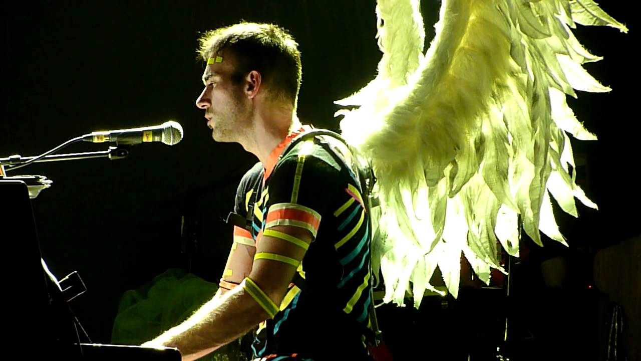 Sufjan Stevens just did a 'Hotline Bling' cover, complete with Drake dance moves