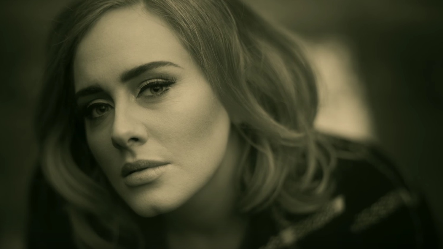 """Yikes, some people are accusing Adele of plagiarizing another famous musician in """"Hello"""""""