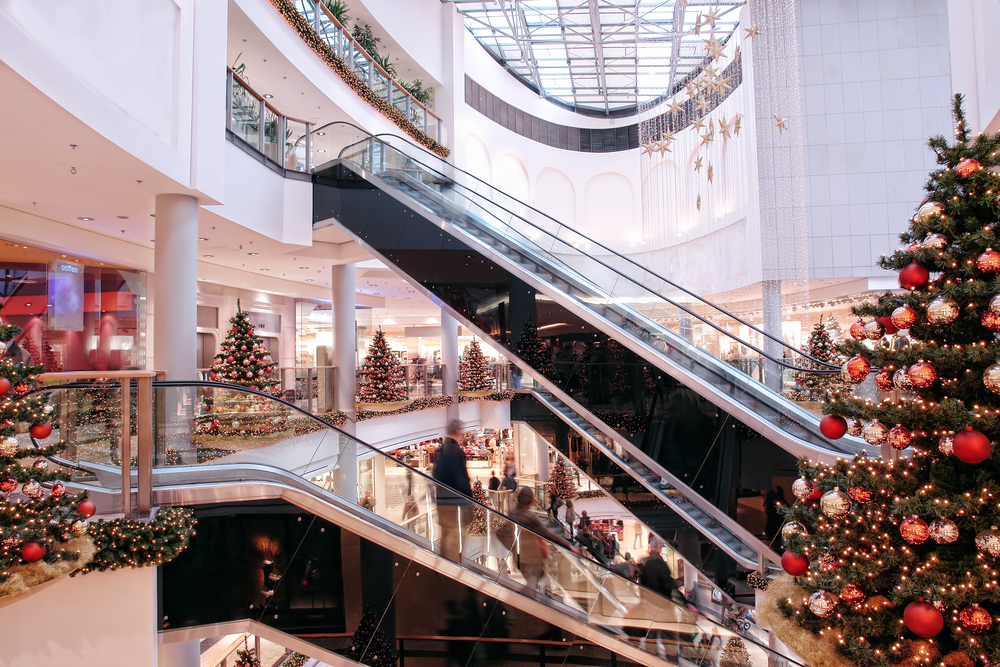 This mall took MAJOR heat when it decided to change up this year's Christmas display