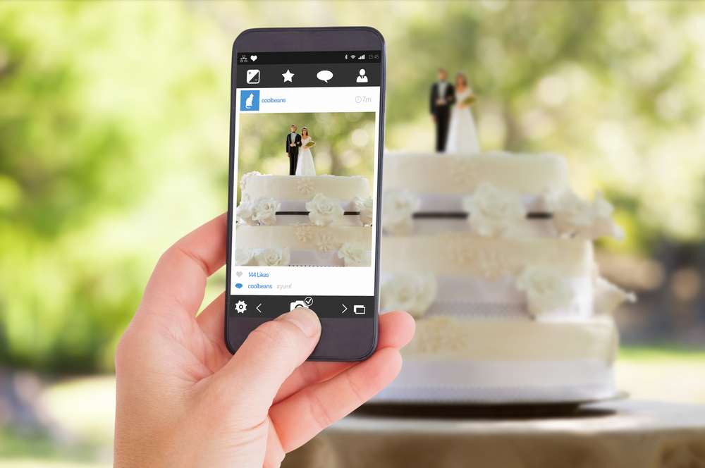 This wedding photo is totally making us reconsider using our phones at weddings