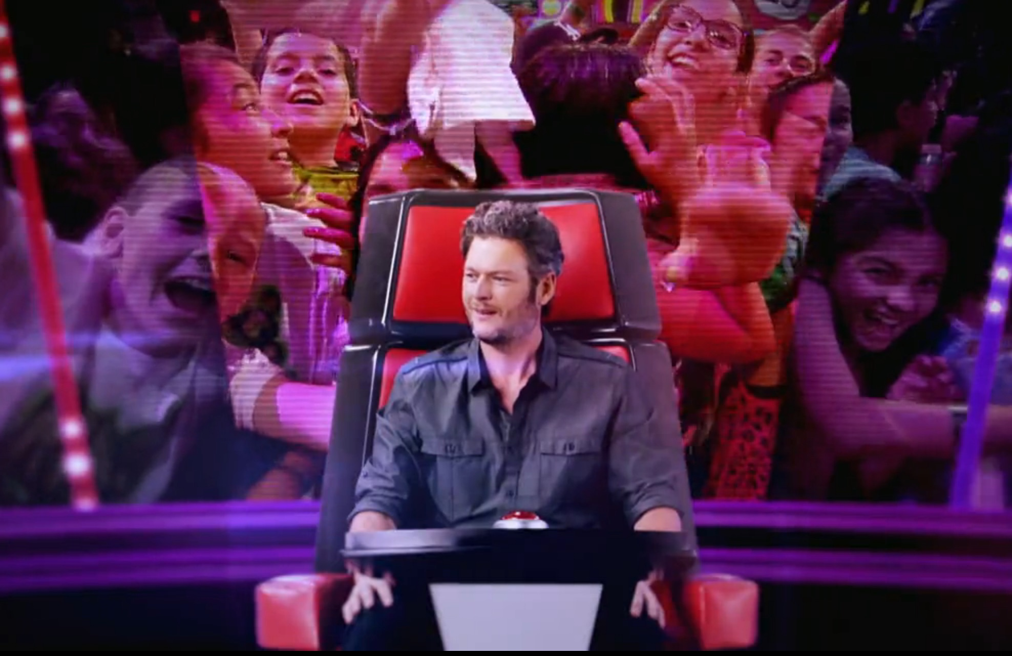 Blake Shelton gets slimed, announces his exciting new hosting gig