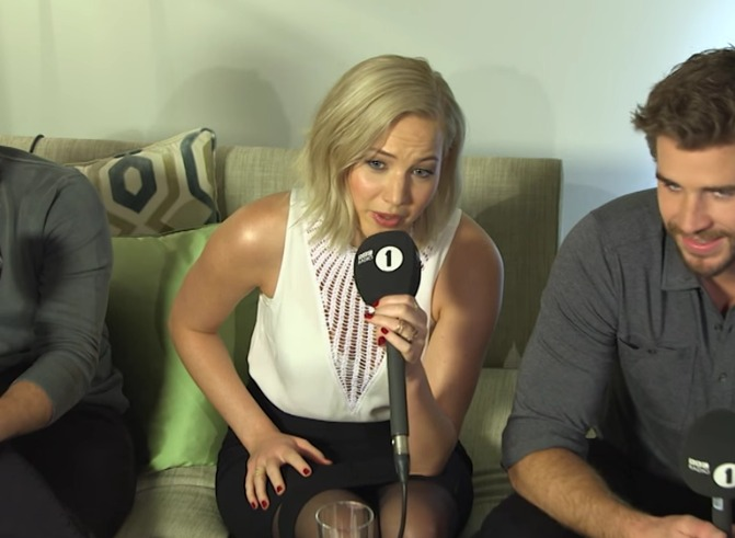 Jennifer Lawrence knows exactly how to handle a super awkward interview