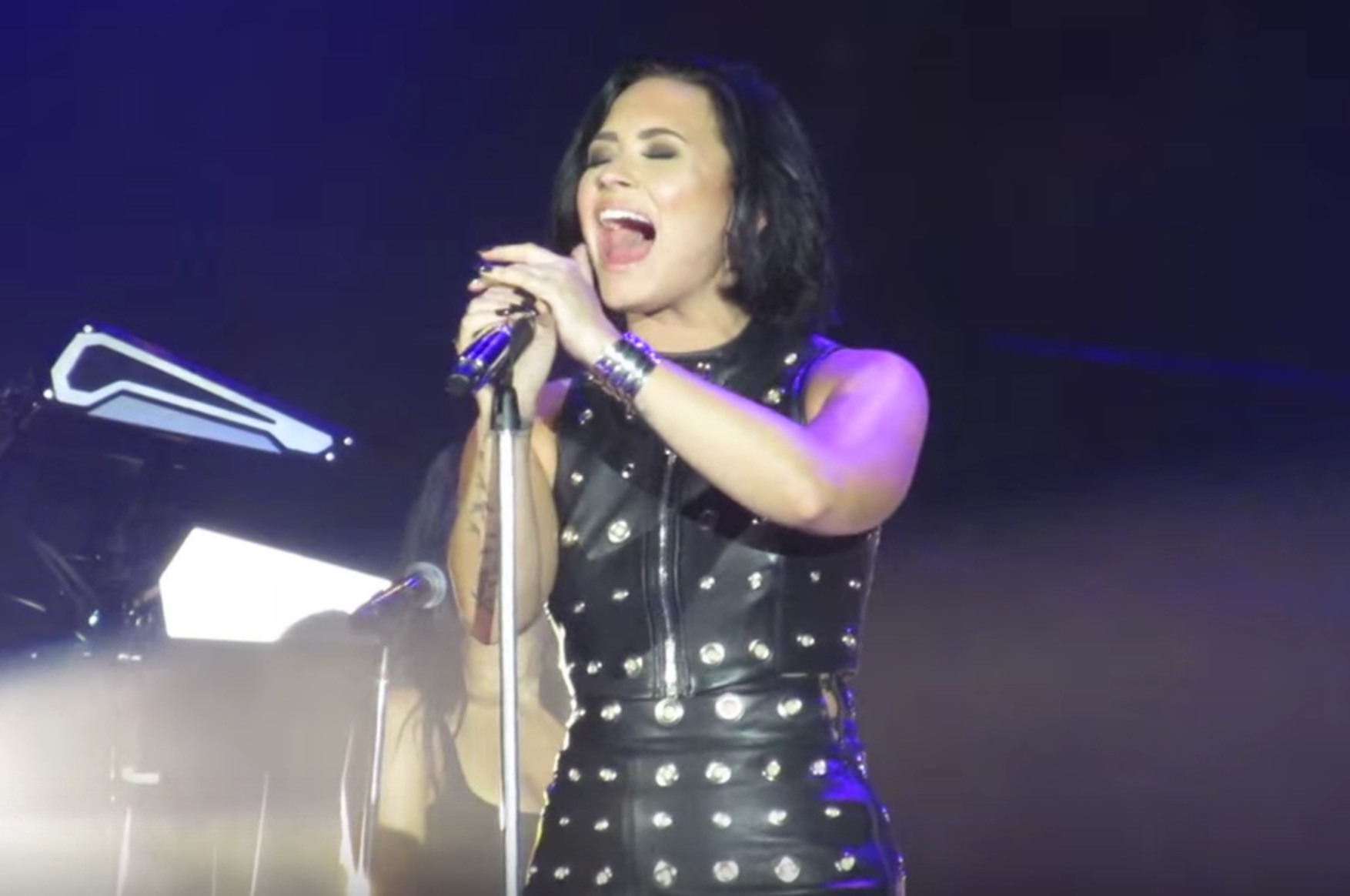 Demi Lovato just covered Adele and gave us all the chills