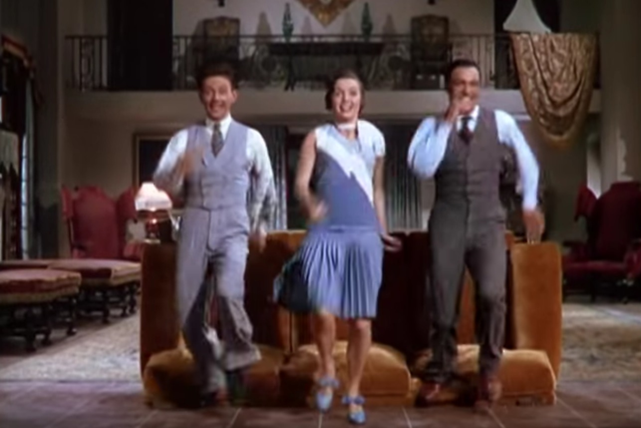 """Watch Fred Astaire, Frank Sinatra, and Judy Garland all dance to """"Uptown Funk"""""""