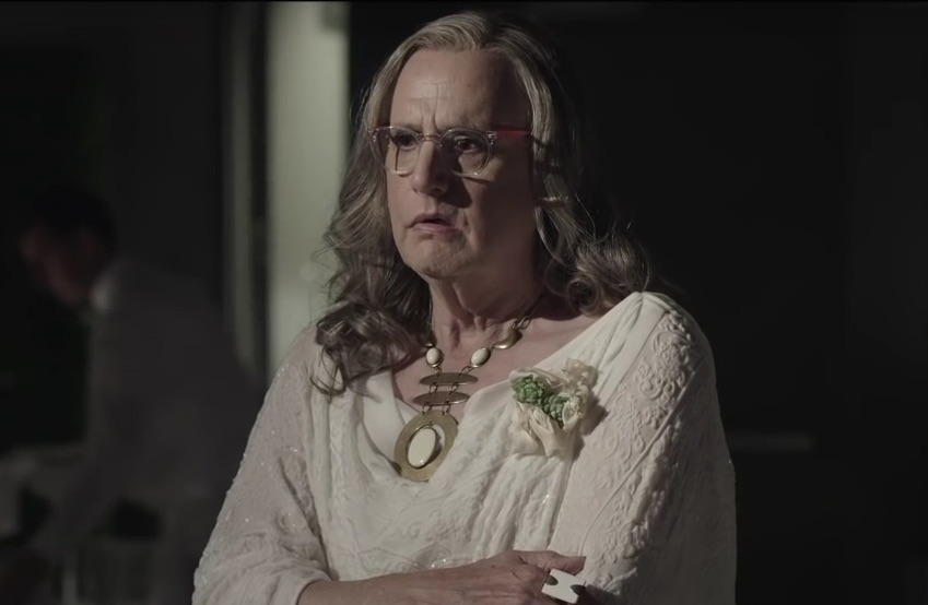 Freaking out over the first official trailer for season 2 of 'Transparent'