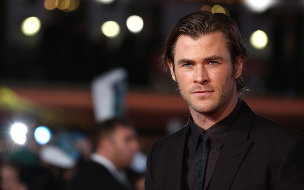 "Chris Hemsworth is unrecognizable after transforming for ""In the Heart of the Sea"""