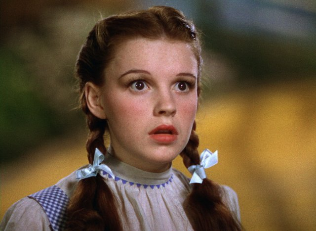 Someone just dropped more than $1 million on Dorothy's 'Wizard of Oz' dress