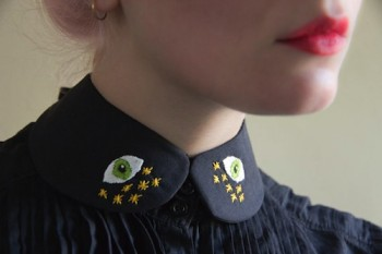 Accessor-eyes with this sweet eye-themed collar