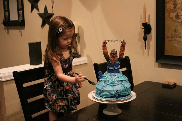 The force is with this little girl's birthday cake
