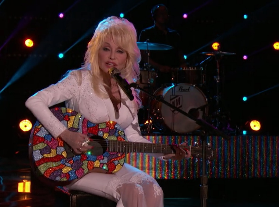 Dolly Parton performed on 'The Voice' last night, and we loved every second of it