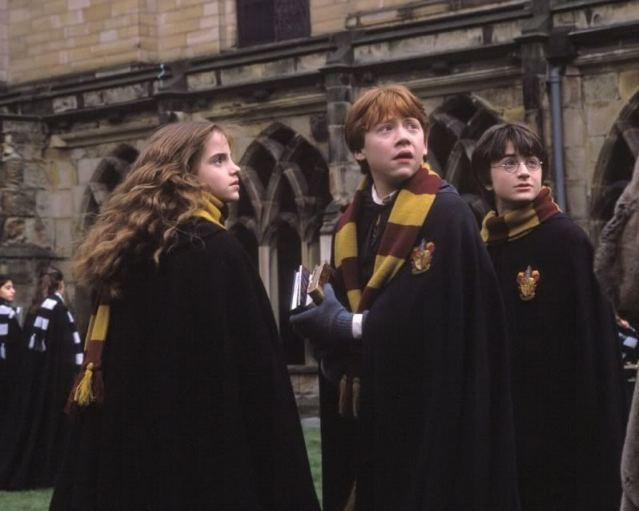 So this is the real reason why wizards in 'Harry Potter' still wear robes