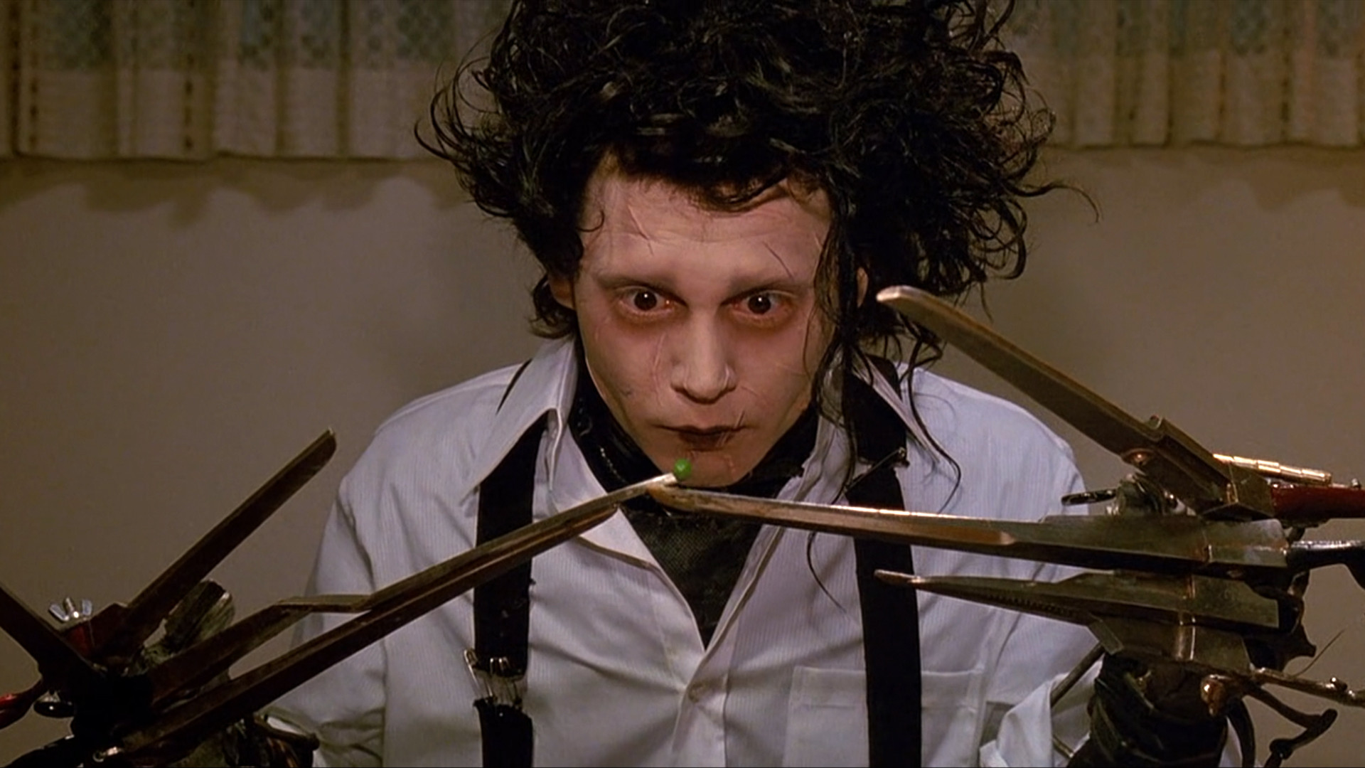 25 reasons why 'Edward Scissorhands' is the most magical Johnny Depp film