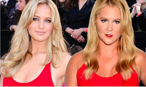 This is not a drill: Jennifer Lawrence and Amy Schumer are #twinning for the Golden Globes