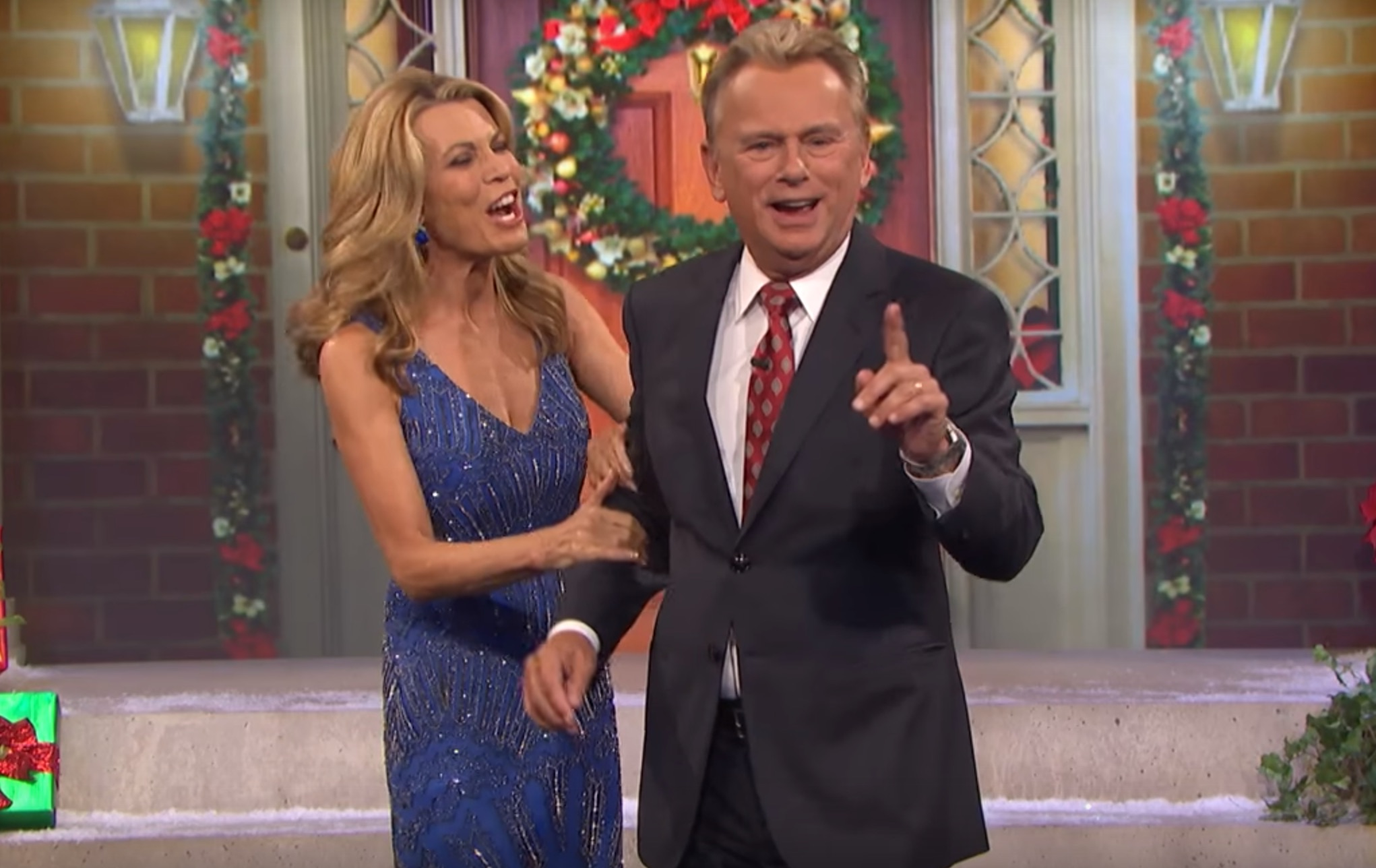 Vanna White's hilarious wardrobe malfunction is the perfect holiday fail
