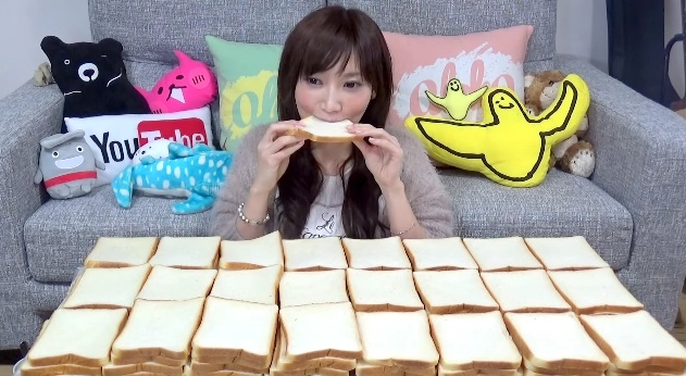 Watch this woman devour 100 slices of bread like it's nothing