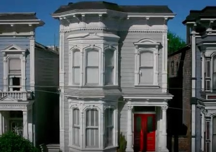 Someone recut the 'Fuller House' trailer like a horror movie and it'll give you nightmares