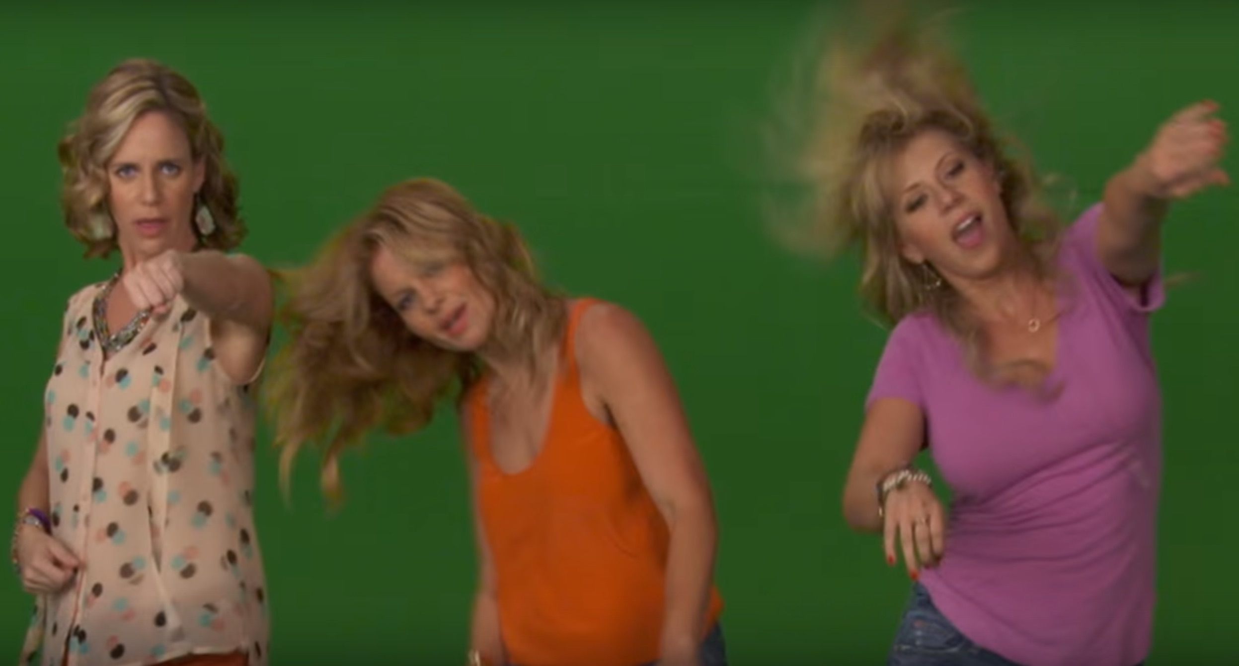 Watch the cast of 'Fuller House' Whip and Nae Nae in this new promo