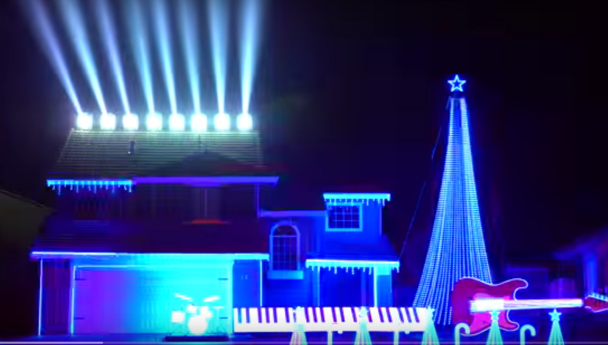 The force is strong with this 'Star Wars' Christmas light show