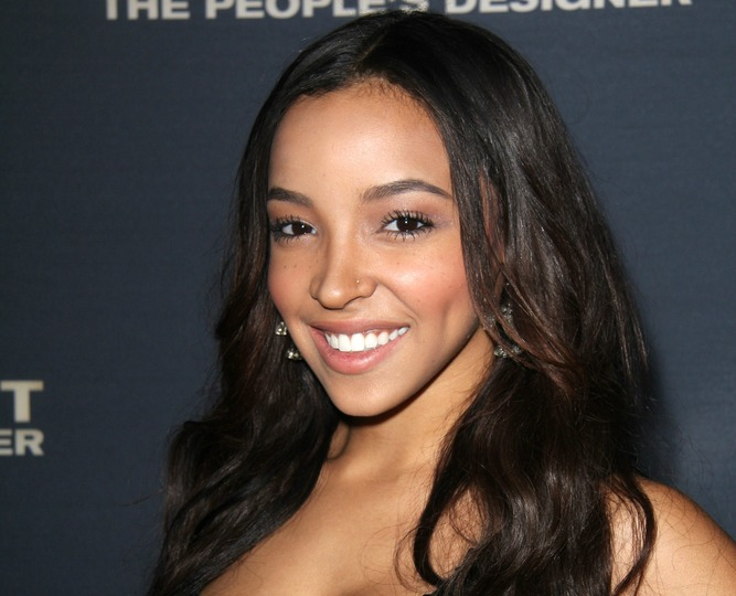 Tinashe speaks out against colorism and racism in the music industry