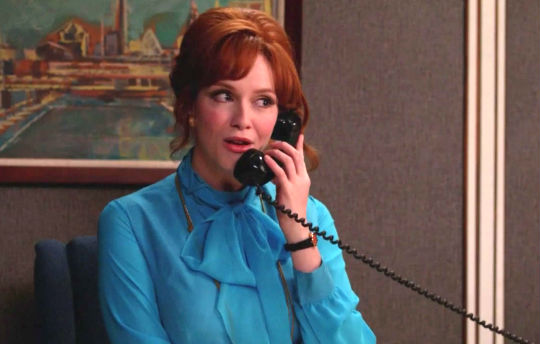 20 awkward phases of trying to leave a professional voicemail