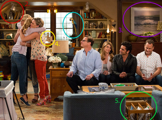 'Fuller House' photos are here, so obviously we need to analyze them