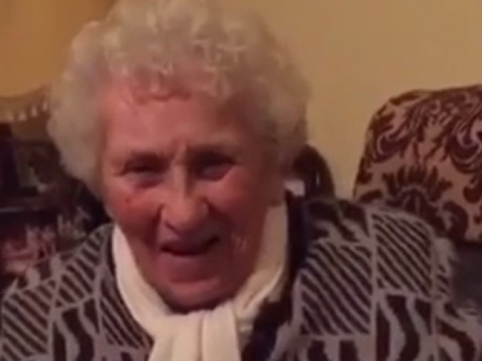 20 year old dating grandma Young man fucks 60 year old woman videos two adults fuck 20-year-old boy lonely 60 years old granny pleases a stranger.